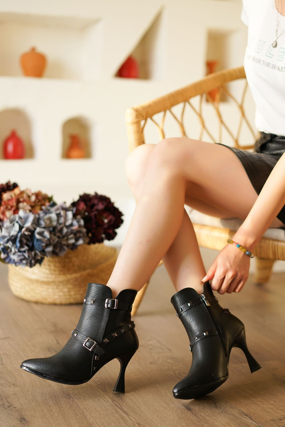 Nİde Siyah Mat Deri Yüksek Topuklu Kadın Bot
