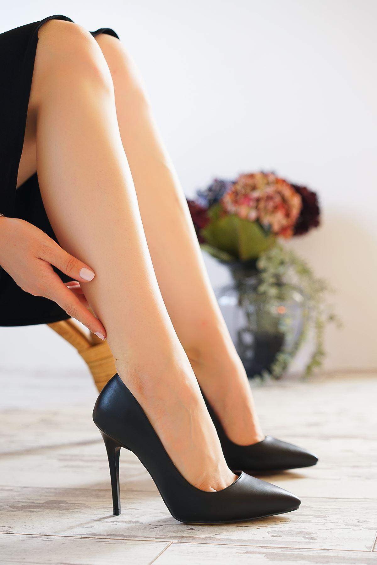 Ottone Siyah Mat Deri Kadın Yüksek Topuklu Ayakkabı