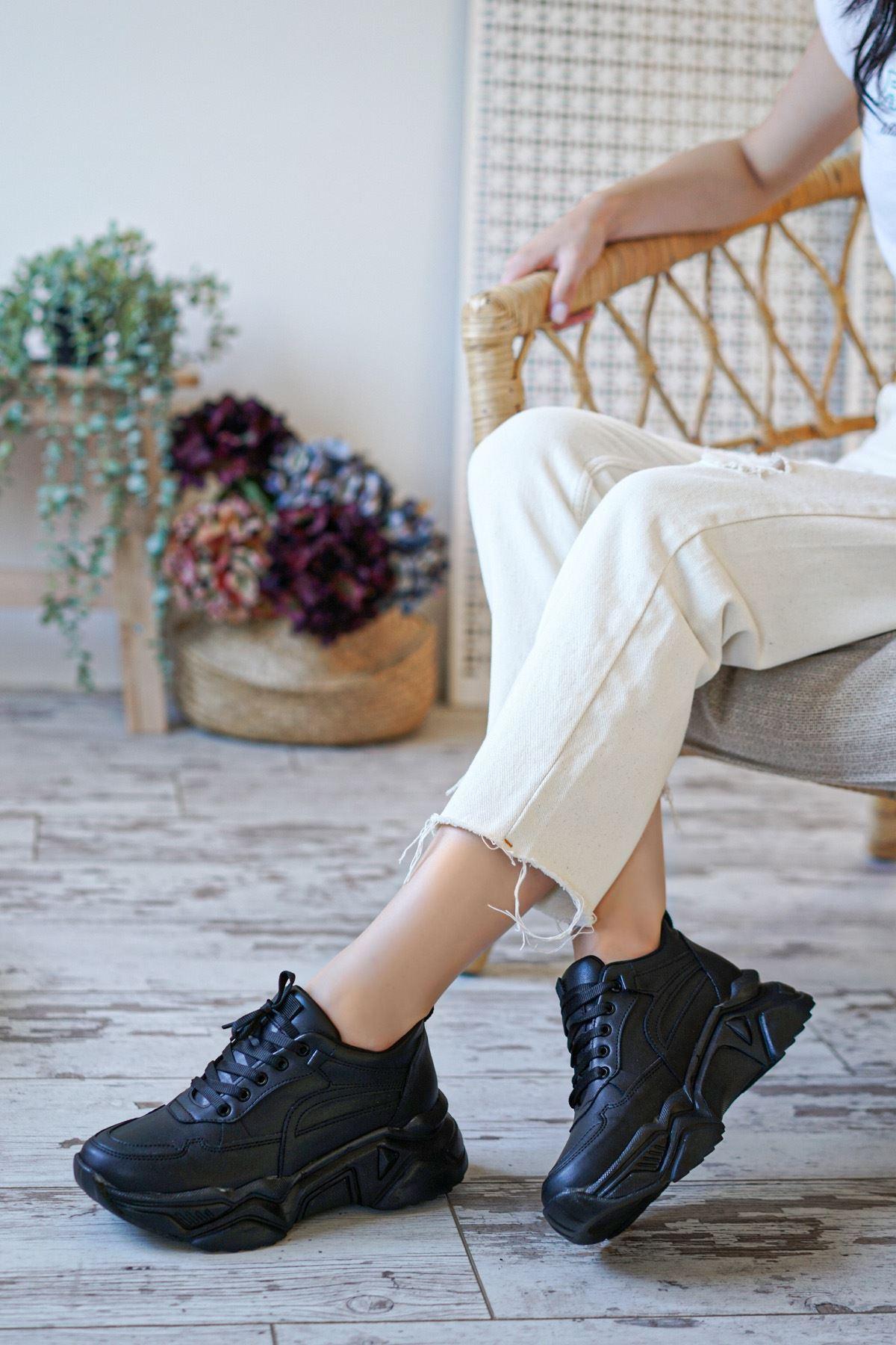 Hilary Siyah Mat Deri Kadın Spor Ayakkabı
