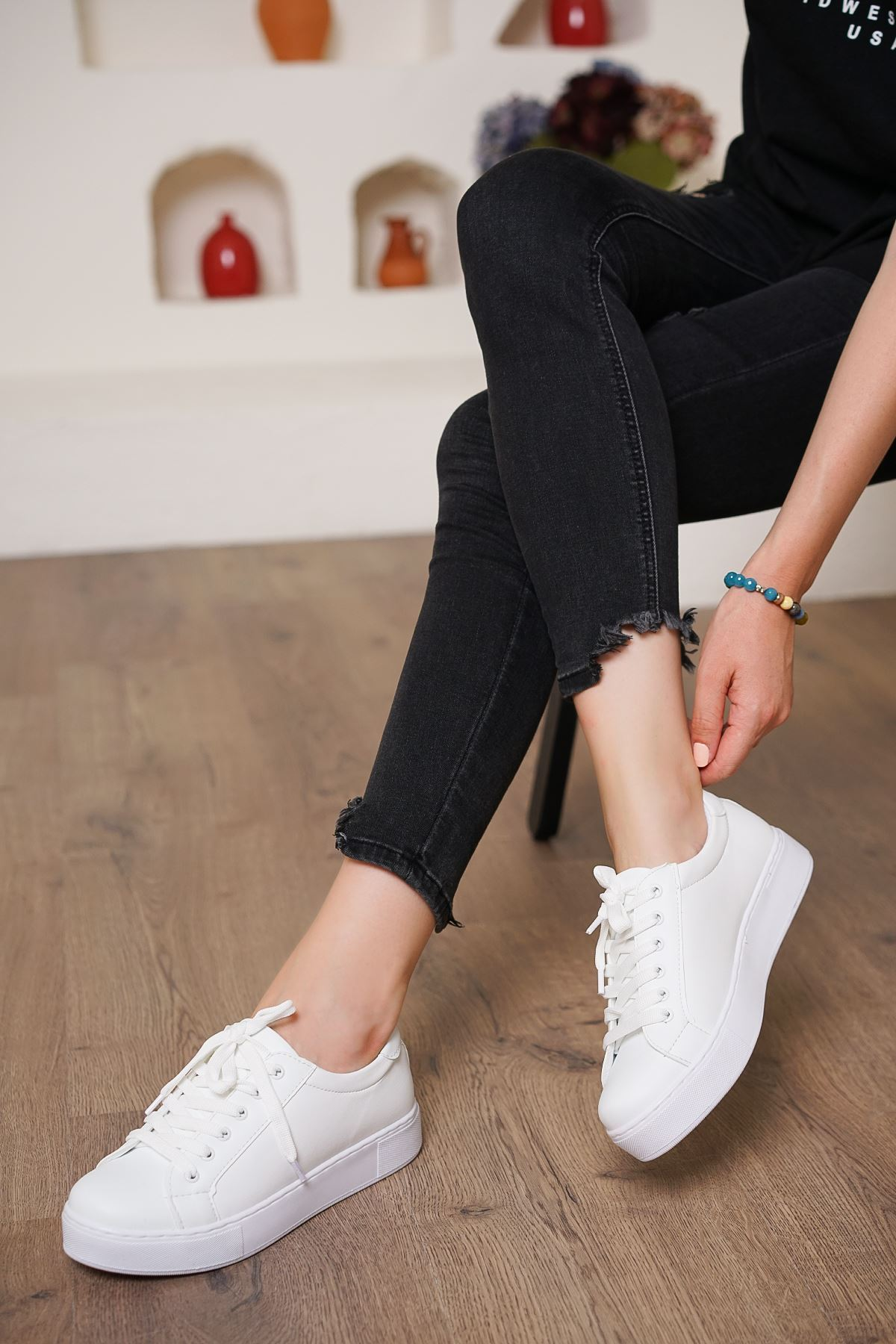 Nevi Beyaz Mat Deri Kadın Günlük Spor Ayakkabı