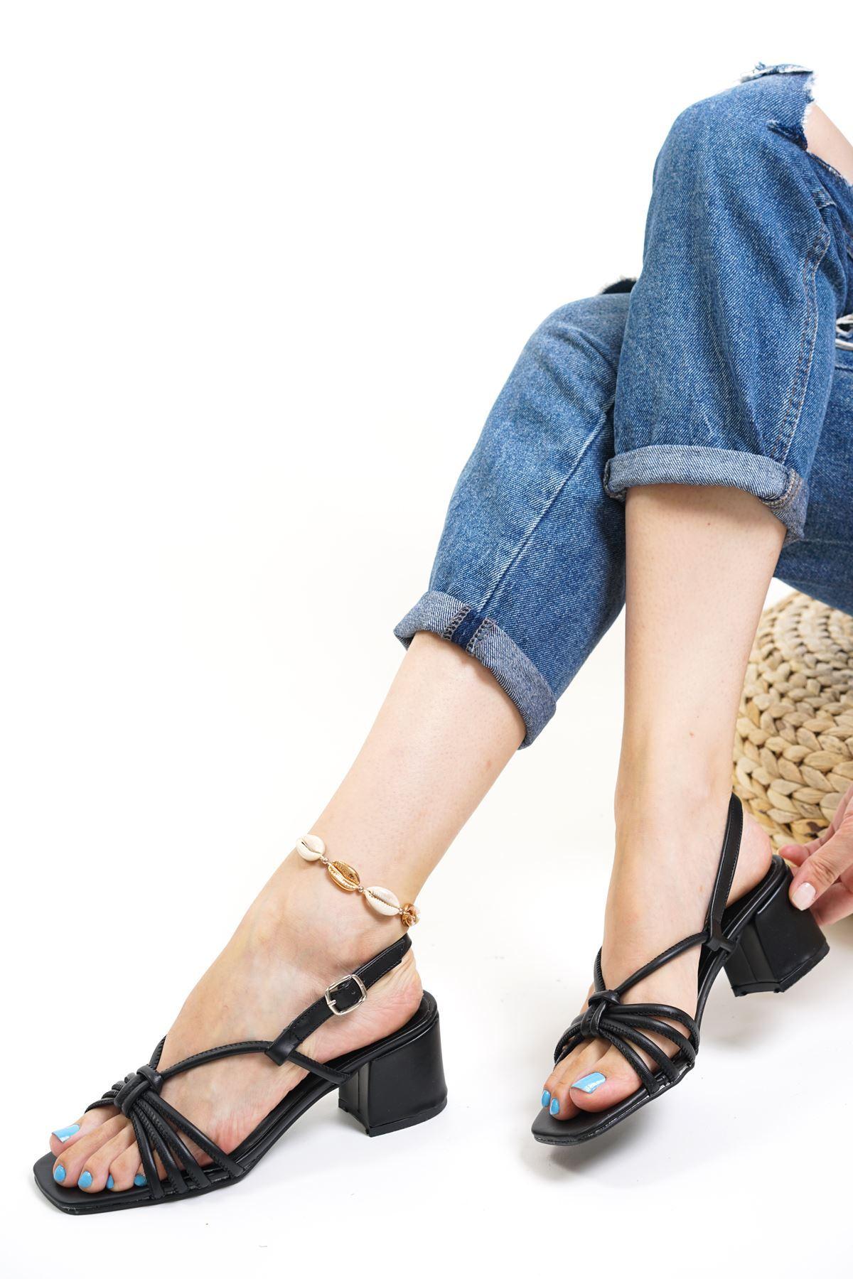 Gio Siyah Mat Deri Kadın Topuklu Ayakkabı