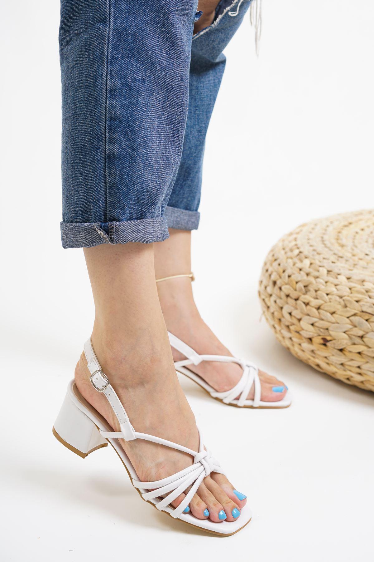 Gio Beyaz Mat Deri Kadın Topuklu Ayakkabı