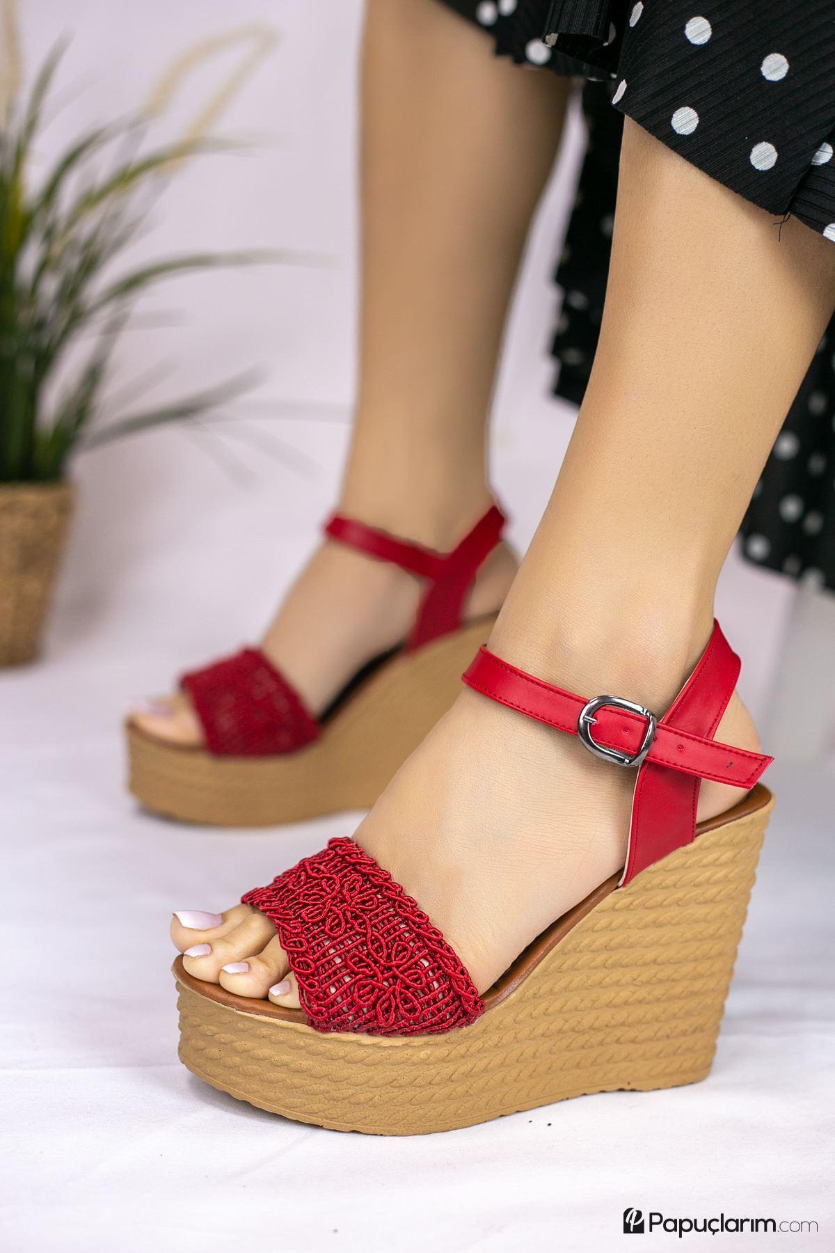 Hilde Kırmızı Dantel Yüksek Dolgu Topuk Kadın Ayakkabı