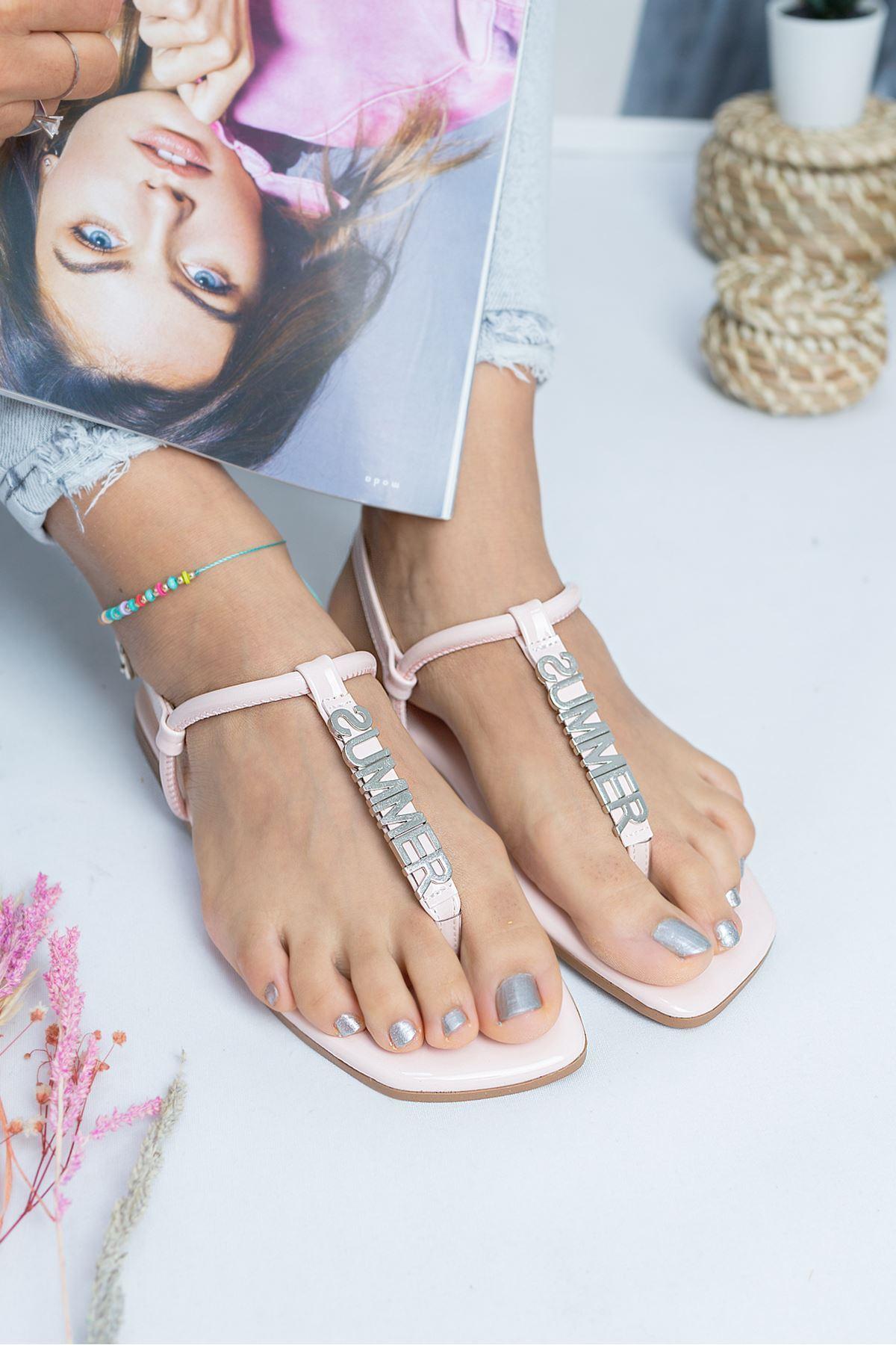 Bodrum Pudra Rugan Kadın Sandalet